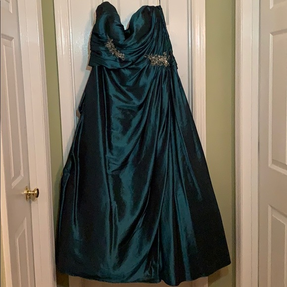 Night Moves Dresses & Skirts - Teal Night Moves Formal Dress